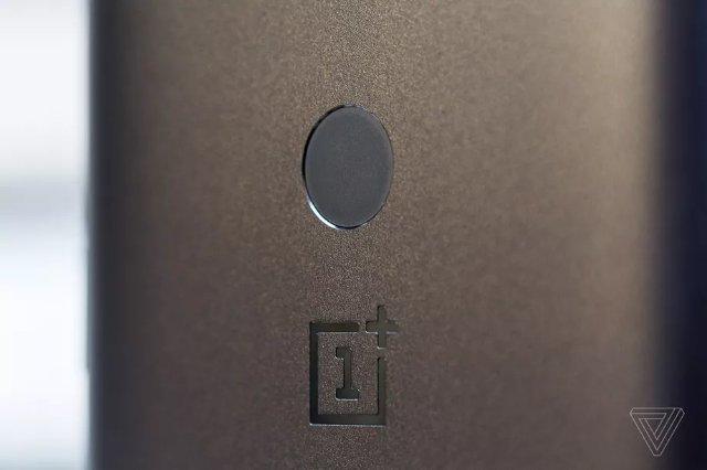 OnePlus может вскоре запустить свои первые беспроводные наушники