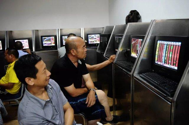 Китайским городским магазинам приказали начать использовать утвержденные правительством маршрутизаторы