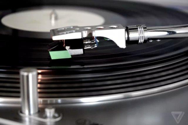 Новый винил «высокой четкости» обещает более длительное время воспроизведения и более четкое звучание