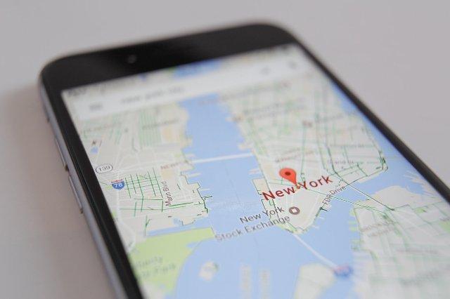 Карты Google используют ориентиры для обеспечения естественного звучания