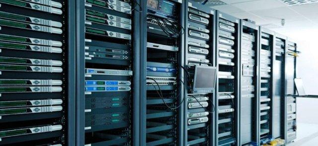 За выделенным сервером - будущее, убедитесь сами