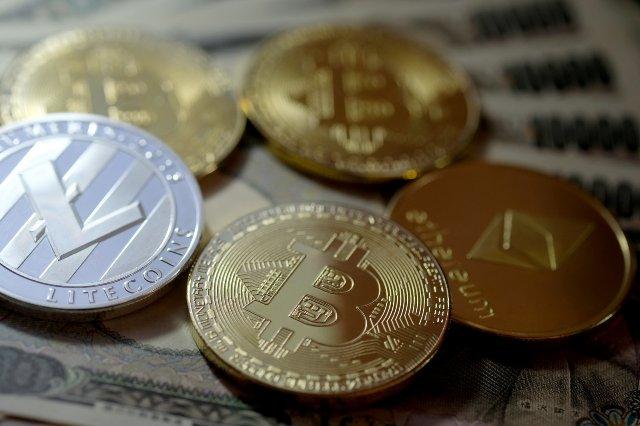 Иран запрещает банкам торговать криптовалютами