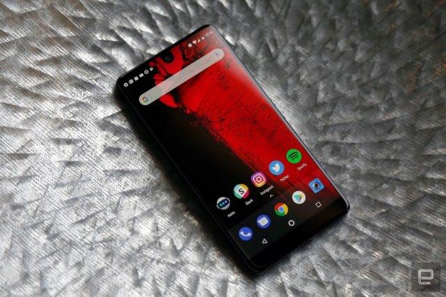 Essential Phone доступен в других странах, включая Великобританию и Японию