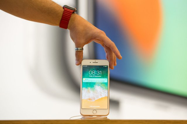 Apple исследует бесконтактные жесты и изогнутые экраны iPhone