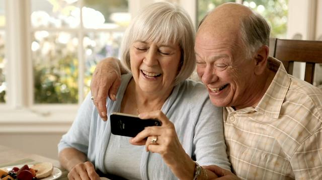 Samsung презентовала необычный смартфон без интернета