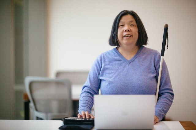 Microsoft хочет использовать ИИ, чтобы помочь людям с ограниченными возможностями