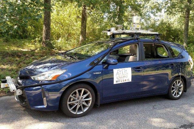 Самоходный автомобиль MIT может перемещаться по незанятым проселочным дорогам
