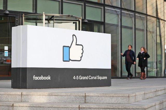 Facebook заблокирует иностранную рекламу на референдуме по абортам в Ирландии