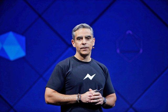 Facebook создает группу, посвященную изучению блокчейну