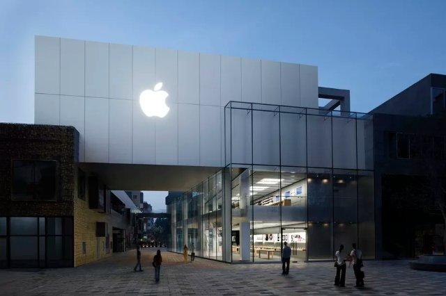 Apple начнет сообщать о правительственных запросах на удаление приложений из App Store