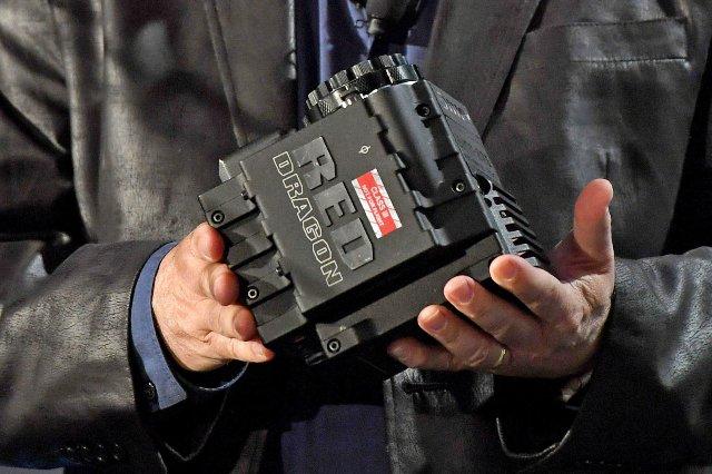 Facebook и RED создают камеру для видео 3D VR