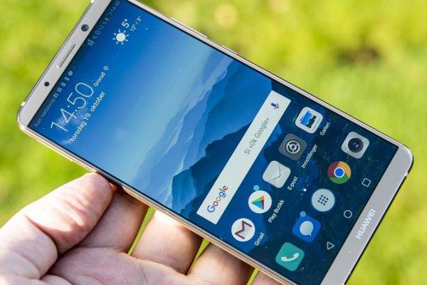 Телефон Honor 10 мгновенно раскупили в первый день продаж