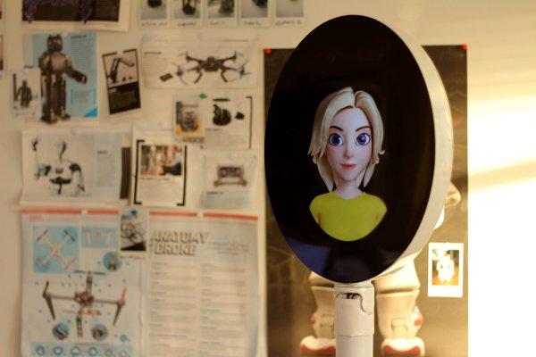 «Она почти живая»: Женщина заявила, что поссорилась с искусственным интеллектом