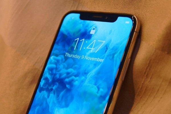 Apple представит «дешевый» iPhone на месяц раньше