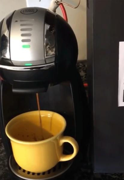 В Сеть выложили видео с первой в мире биткоин-кофемашиной