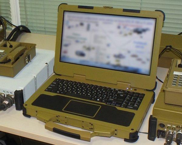 Ростех презентовал сверхпрочный ноутбук для военных за полмиллиона