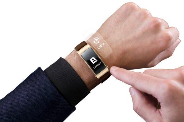 Huawei представили гарнитур-браслет TalkBand B5
