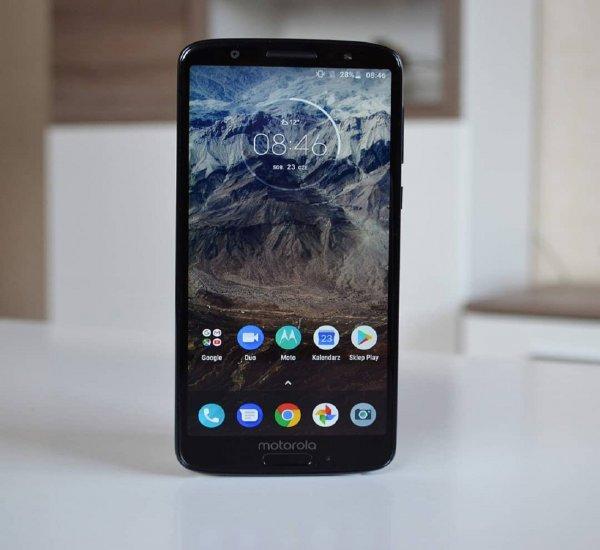 Эксперты назвали лучшие смартфоны в 2018 году стоимостью до 300 долларов
