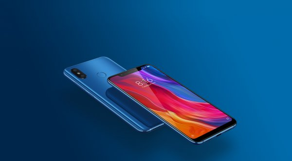 Xiaomi Mi8 наконец добрался до России: объявлена цена и дата начала продаж