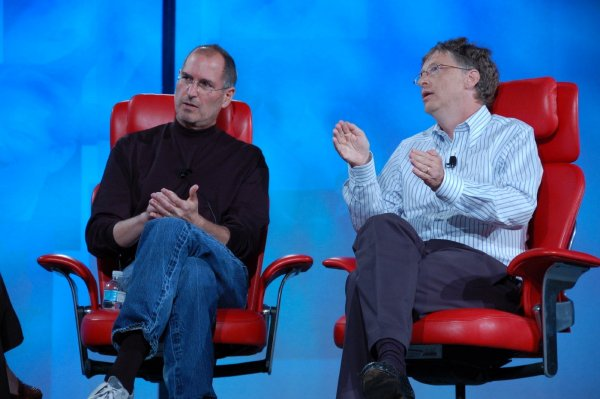 Аналитики признались, что Microsoft помог Apple заработать триллион долларов