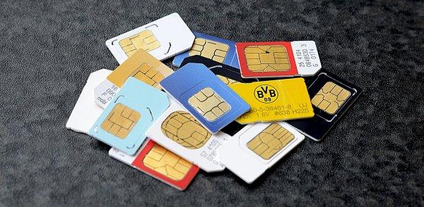 Операторов в России могут перевести на новые одобренные ФСБ SIM-карты