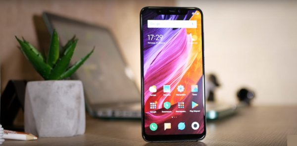 Xiaomi Mi 8 упал в цене на 20%