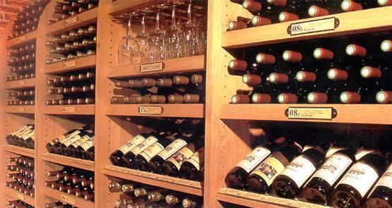 Шикарные стеллажи для вина