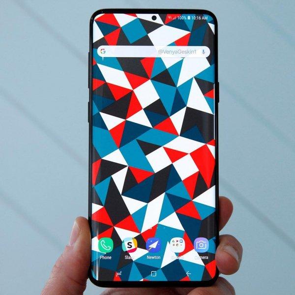 Samsung убрала экранные рамки в новом Galaxy S10
