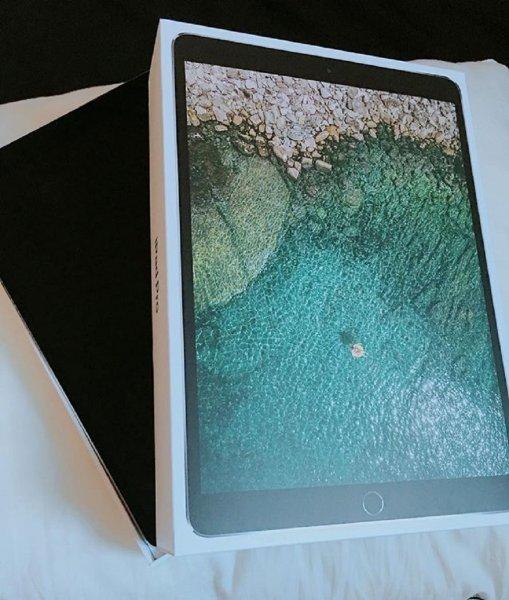 Новый iPad Pro с треском провалил тест на прочность