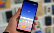 На фото продемонстрировали «дырявый» дисплей Samsung Galaxy A8s