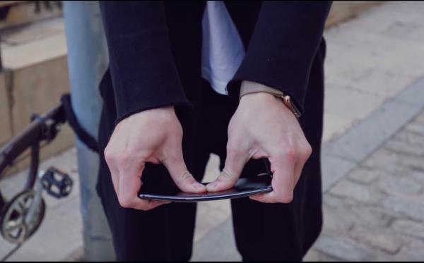 Хуже обычного стекла: Защищённость Xiaomi Mi 9 оказалась фейковой