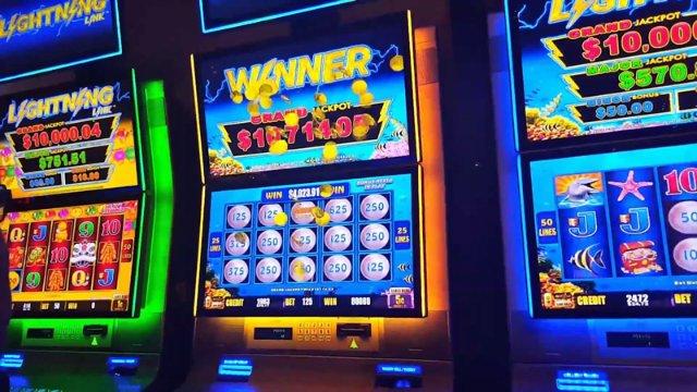 Попробуйте играть в новый автомат, что предлагает вам азартная игра от Азино777