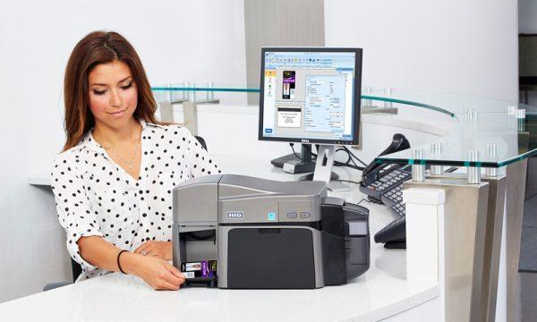 Большой выбор карточных принтеров