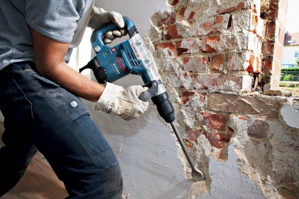 Как провести демонтажные работы безопасно и без лишнего шума