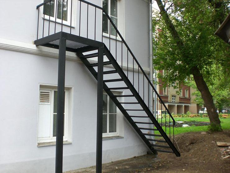 Основные нюансы металлических лестниц