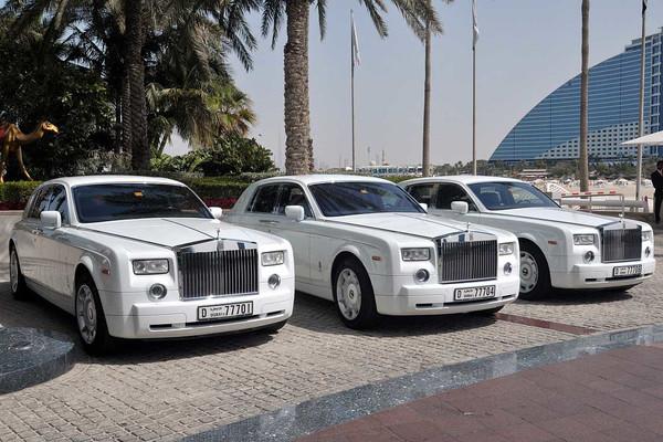 Посуточная аренда автомобилей класса люкс, спорт и бизнес в Дубае