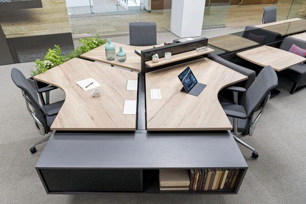 Офисные столы в широком ассортименте